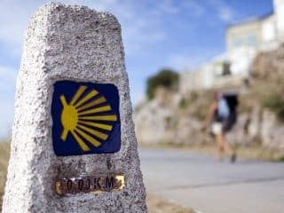 Trail marker on a pilgrimage on the Camino de Santiago with Wonder Voyage.